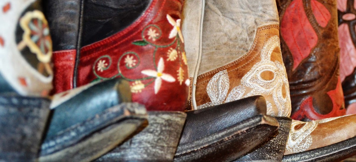 How to pair cowboy boots with your outfits